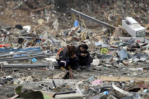 japan-disaster-day-580x386